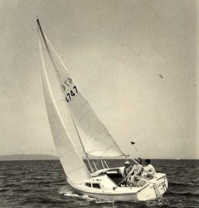 Catalina 22 #4747 on Puget Sound during the 1976 C22 Nationals, with crew John Smart and Gerry Gavin.